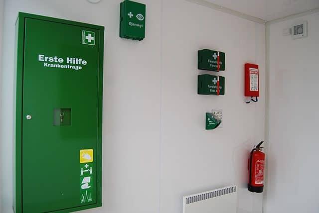 Sanitets- og sikkerhedscontainer interiør