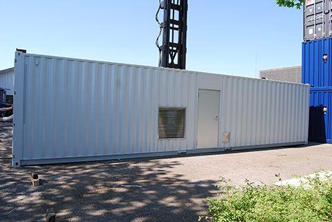 Støjdæmpet container set udefra