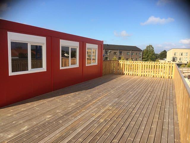 Container til mandskabsbeboelse terrasse