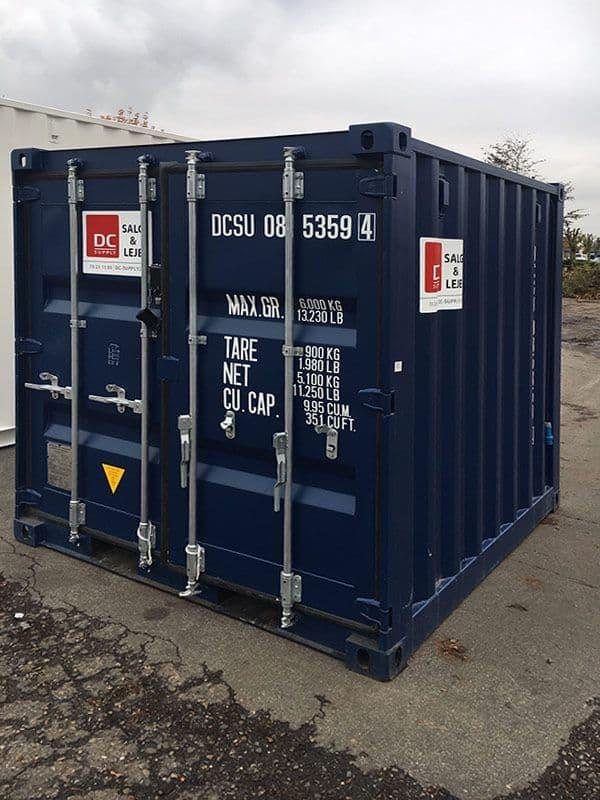 8 fods container med lys og reoler - som ny