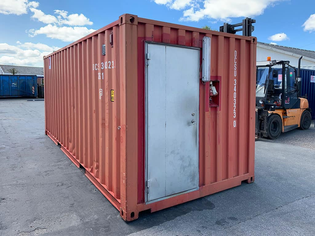 Insulated 20 ft container with steel door, locking bar, lights and many electrical sockets