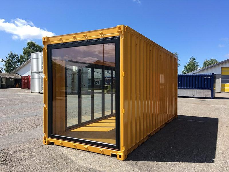 Specialbygget cykelbibliotek i container - vinduesparti
