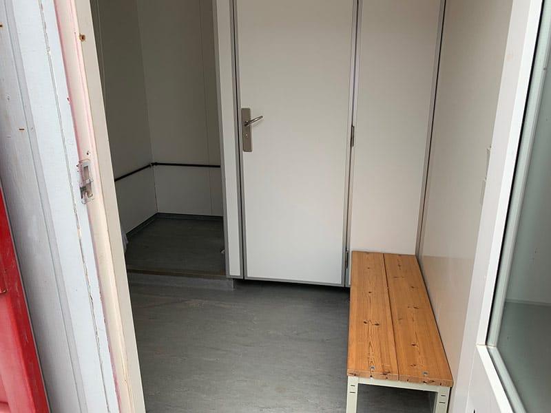 10 ft toilet container - DKK 30,000