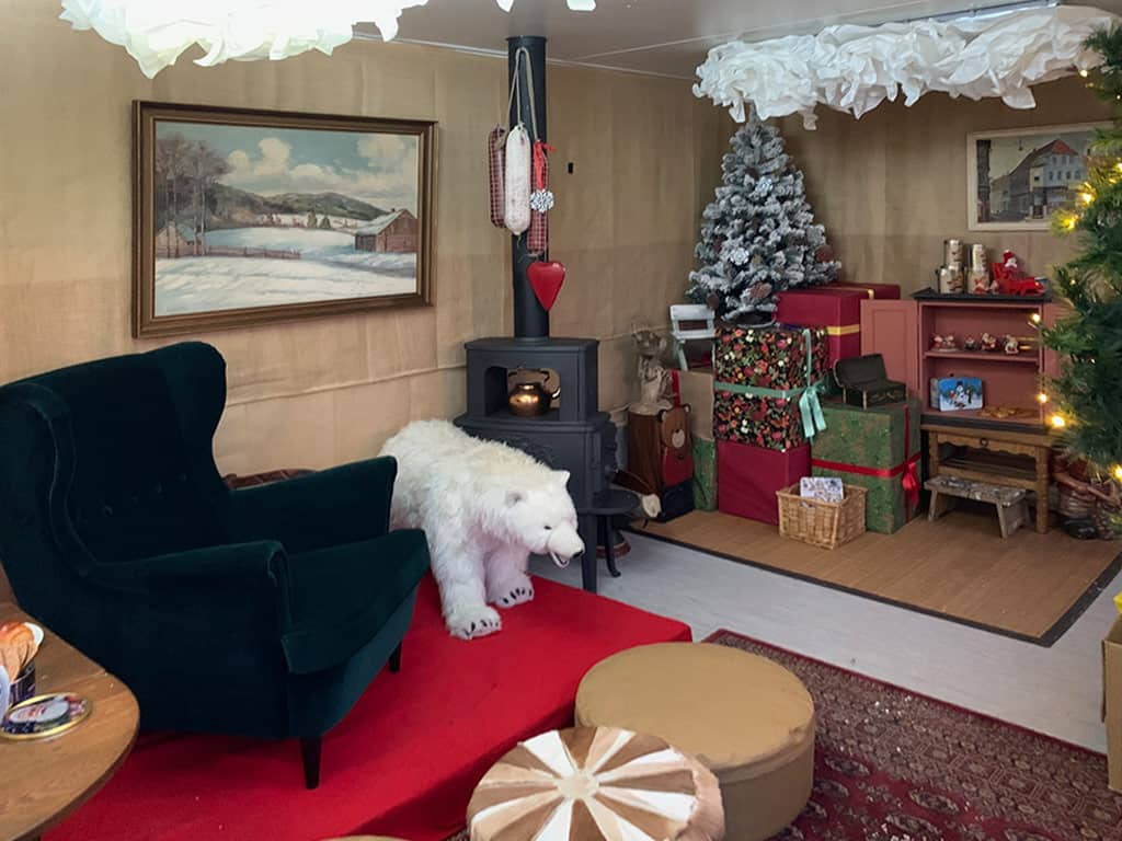 Christmas at the Zoo - Santa's cabin