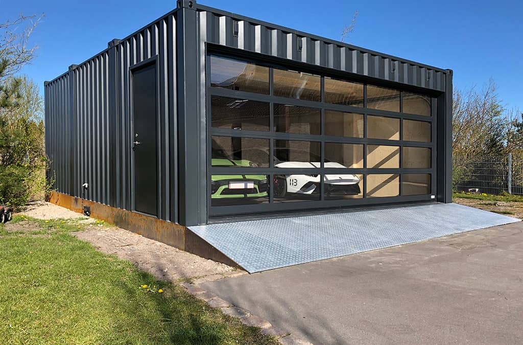 Garage container med elektrisk port