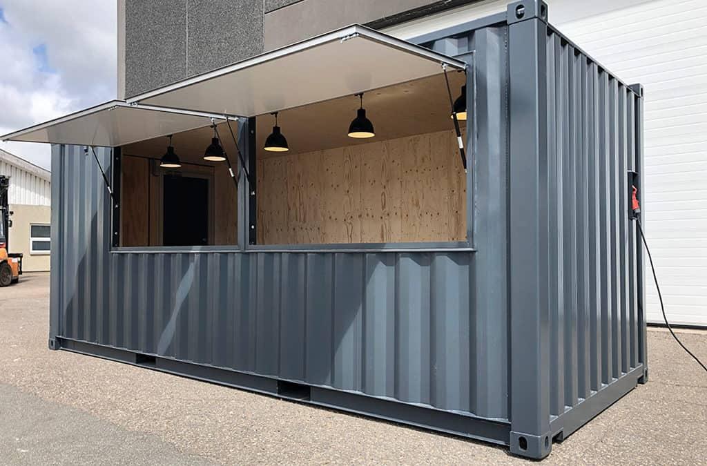 Salgsbod: Udendørs servering til cafe i special container