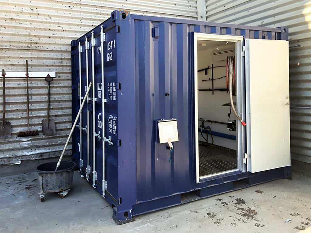 Industrial high-pressure cleaner container