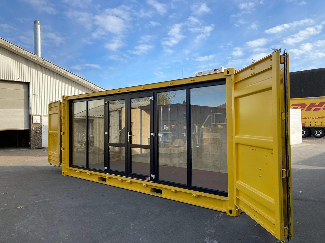 Strandboxen: Udstillingscontainere til Brøndby Kommune